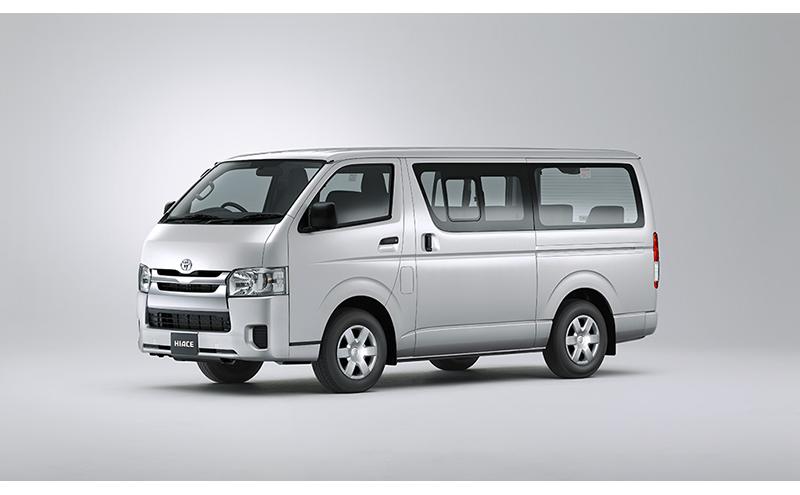 2.5L Bus 15-Seats A/C